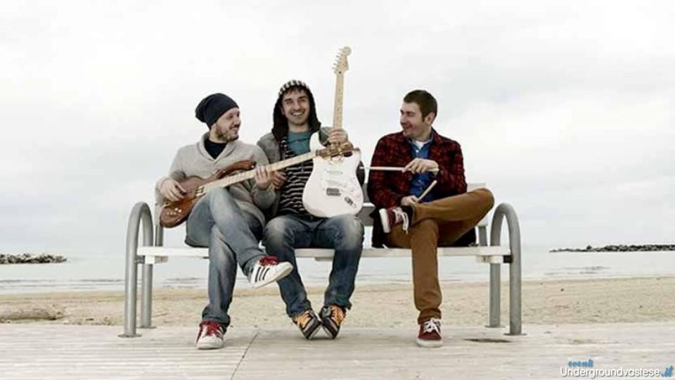 25 luglio: 3dB Trio